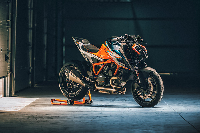 KTM 1290 SUPER DUKE RR Static 1